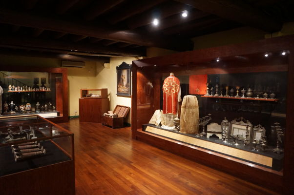 Múzeum v barokovom Kostole sv. Dominika (Igreja de São Domingos) v historickom centre Macaa
