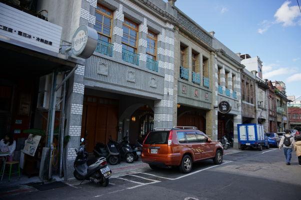 Staré domy v uličkách okolo nákupnej ulice Dihua v Tchaj-peji