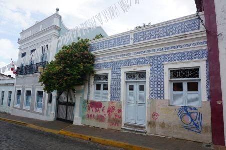 Koloniálna architektúra v Olinde - dom s dlaždicami azulejos