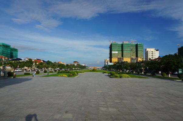East Memorial Park v Phnom Penhu