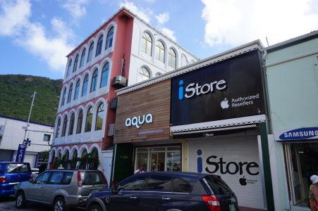 Vo Philipsburgu nechýbajú predovšetkým obchody so značkovým tovarom