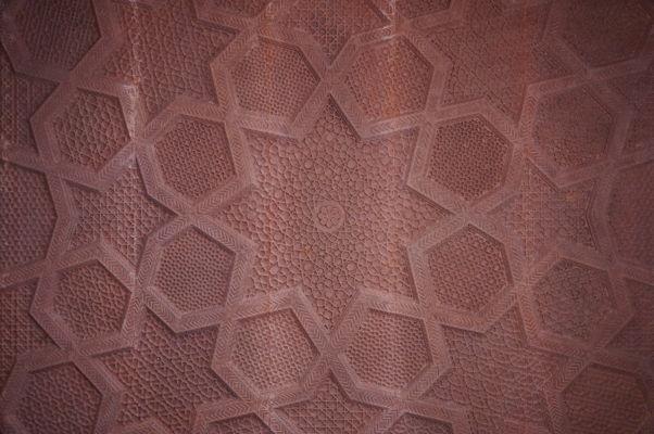 Reliéf zdobiaci jeden zo stropov v bývalom kráľovskom meste Fatehpur Sikri