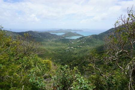 Pohľad na Coral Bay z diaľky