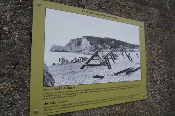 A do tretice útes Amont s oblúkom pripomínajúcim slona pri Étreate tak, ako ho bolo možné vidieť na konci 2. svetovej vojny