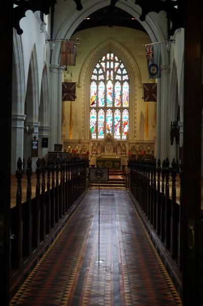 Katedrála sv. Kolumbu v severoírskom Londonderry - hlavná loď