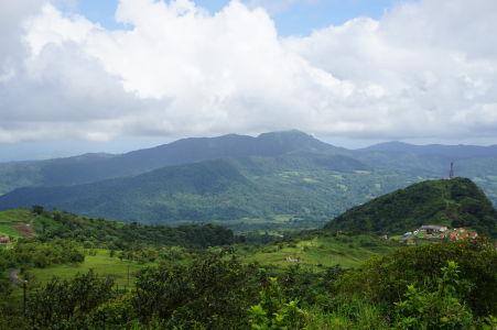 Výhľad spod sopky Pelée na Martinik