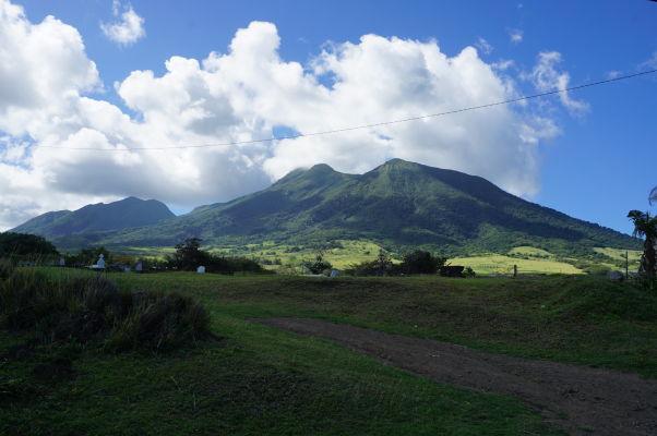 Sopka Liamuiga na ostrove Svätý Krištof