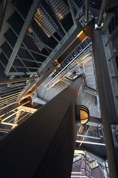 Vyhliadková veža na vrchole Uetlibergu nie je vhodná pre ľudí trpiacich závraťami