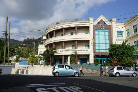 Budova hlavnej banky v krajine v Kingstowne