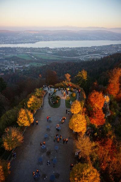 Výhľad na Zürišské jazero z veže na Uetlibergu