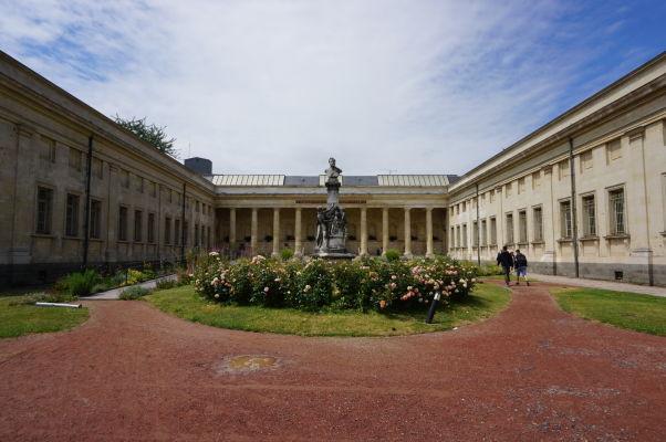 Knižnica Louisa Aragona (Bibliothèque Louis Aragon) v Amiens