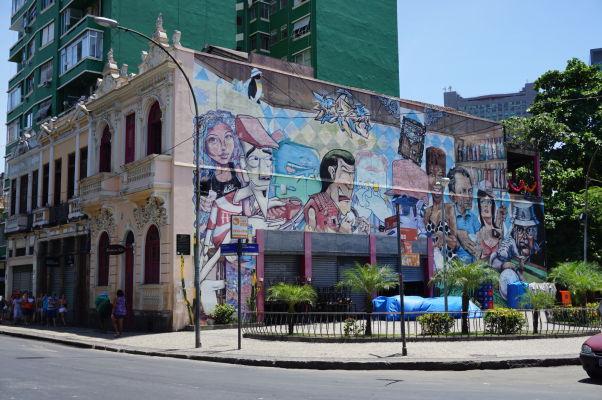 Pouličné umenie neďaleko Selarónovho schodiska v Riu de Janeiru