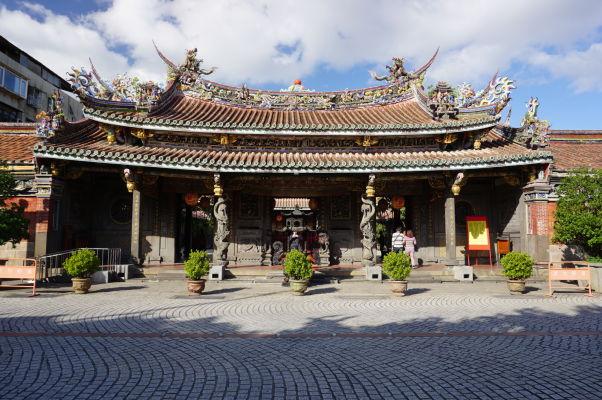 Vstupná brána do chrámu Bao-An v Tchaj-peji