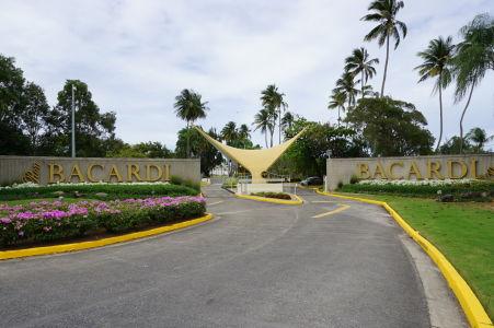 Vstup do distilérky Bacardi