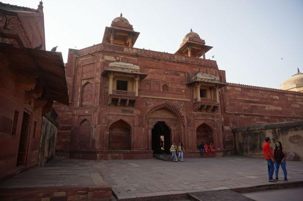 Palác Džodha Bai (Jodha Bai) vo Fatehpur Sikri - obydlie manželky kráľa Akbara