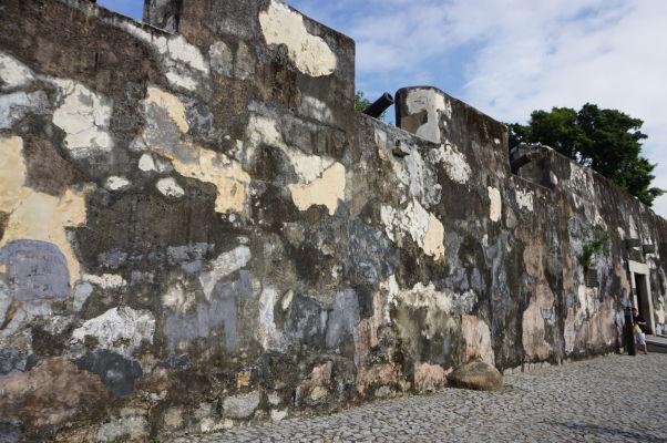Fortaleza do Monte (doslova Pevnosť na kopci) v Macau - historické opevnenie