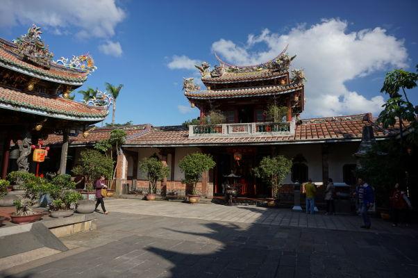 Nádvorie chrámu Bao-An v Tchaj-peji