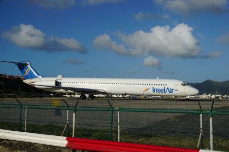 Lietadlo karibskej spoločnosti InselAir sa pripravuje na štart