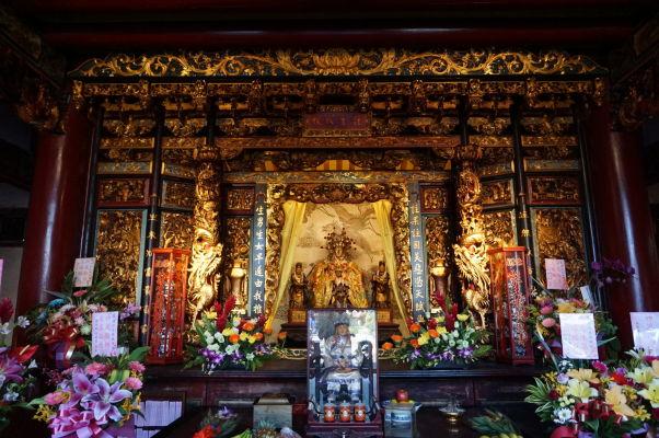 Oltár v chráme Bao-An v Tchaj-peji