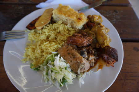 Jedlo na Grenade sa neobíde bez poriadnej porcie mäsa