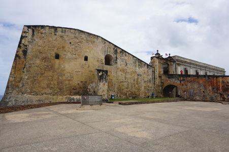 Mostík k vchodu pevnosti San Cristóbal v San Juane