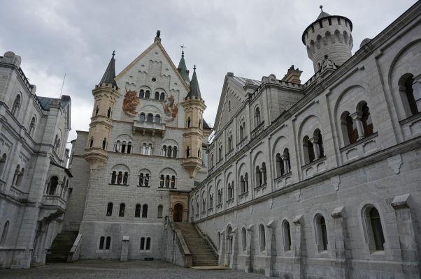 Hrad Neuschwanstein - hlavné nádvorie