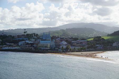 Výhľad z ostrovčeka Îlet Sainte-Marie na mestečko Sainte-Marie