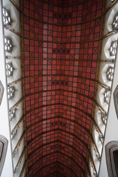 Katedrála sv. Eugena v severoírskom Londonderry - ozdobný strop hlavnej lode