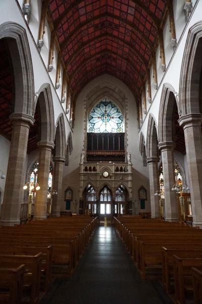 Katedrála sv. Eugena v severoírskom Londonderry - hlavná loď