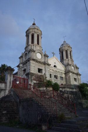 Katedrála sv. Jána v St. John's - Najväčší kostol v krajine a hlavná architektonická pamiatka