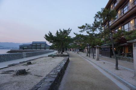 Nábrežná promenáda v Icukušime, prominentná ulica v meste
