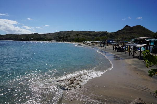 Pláž v Cockleshell Bay na ostrove Svätý Krištof