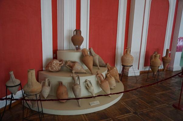 Národné múzeum histórie Moldavska - amfory z gréckych čias