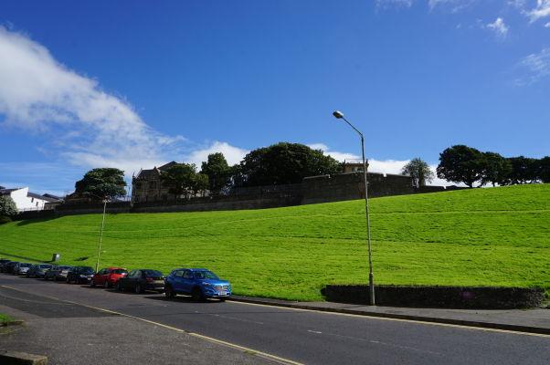 Pohľad na pôvodné opevnenie severoírskeho mesta Londonderry