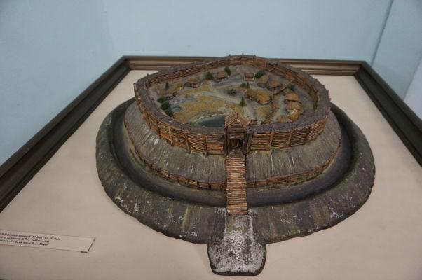 Národné múzeum histórie Moldavska - model starovekého dáckeho mesta
