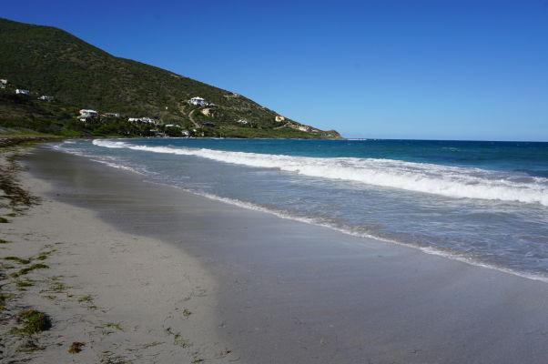 Pláž Turtle Beach na ostrove Svätý Krištof