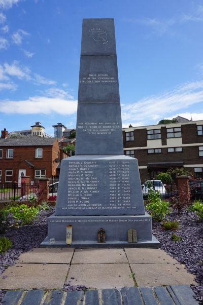 Pamätník Krvavej nedele (Bloody Sunday) v štvrti Bogside v severoírskom Londonderry (Derry)