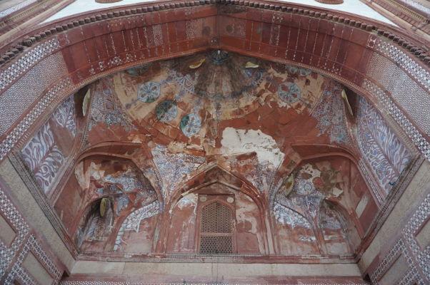 Piatková mešita (Jama Masjid) vo Fatehpur Sikri - hlavná budova s mirhábmi s typicky perzskou architektúrou