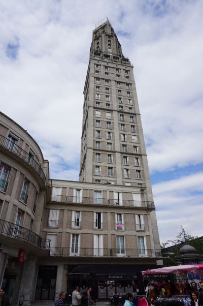 Perretova veža (Tour Perret) v Amiens - jeden z prvých mrakodrapov v Európe
