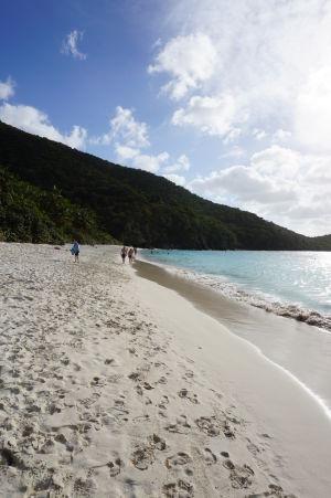 Pláž v zálive Trunk Bay