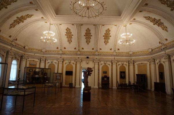 Národné múzeum histórie Moldavska - priestory expozícií sú obrovské a reprezentatívne