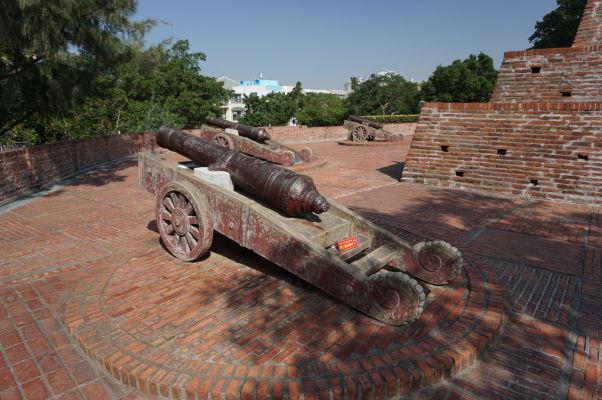 Pevnosť Fort Zeelandia v Tchaj-nane - historické makety diel