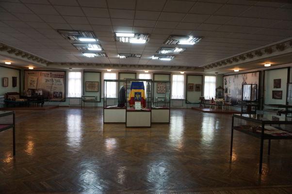 Národné múzeum histórie Moldavska - priestory expozícií sú obrovské