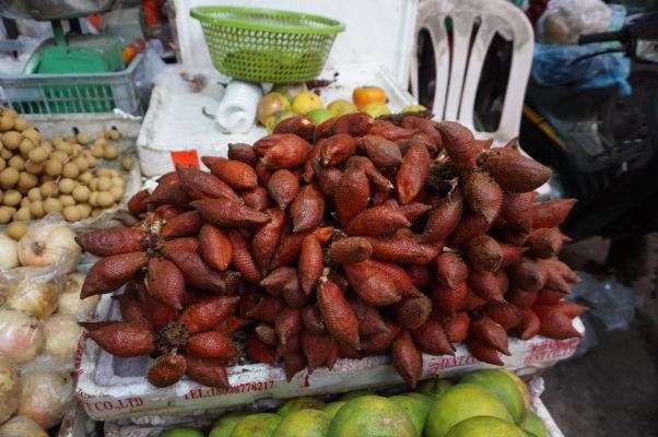 Starý trh (Old Market) v Phnom Penhu - nakúpite tu ovocie tak exotické, že často nebudete poznať ani jeho názov