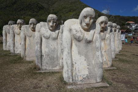 Pamätník Cap 110 - pripomienka zrušenia otroctva a zároveň námorníkov a otrokov, ktorí zahynuli pri potopení neznámej lode v tejto oblasti