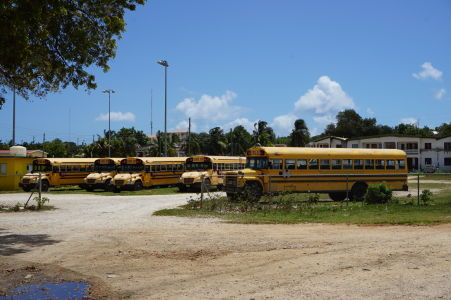 Školské autobusy na Anguille