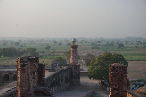 Hiran Minar (Slonia veža) vo Fatehpur Sikri - dal ju postaviť kráľ Akbar po smrti svojho obľúbeného slona