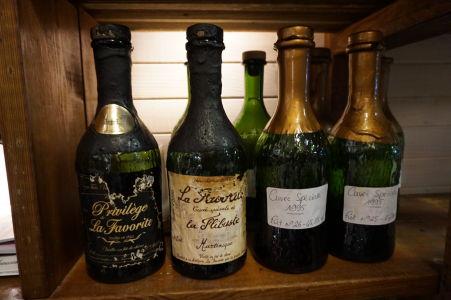 Rumová distilérka La Favorite - Predajňa - Jedny z najdrahších fliaš, ktoré sú na predaj