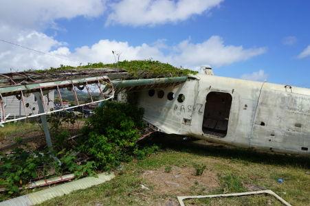 Vrak lietadla An-2 na grenadskom letisku Pearl Airport