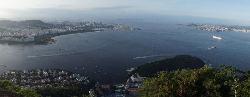 Pohľad na Rio de Janeiro a záliv z Cukrovej homole